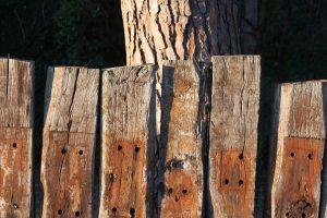 fa a kertben mint építőanyag